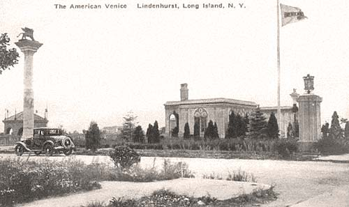 The American Venice. Postcard from Lindenhurst, NY